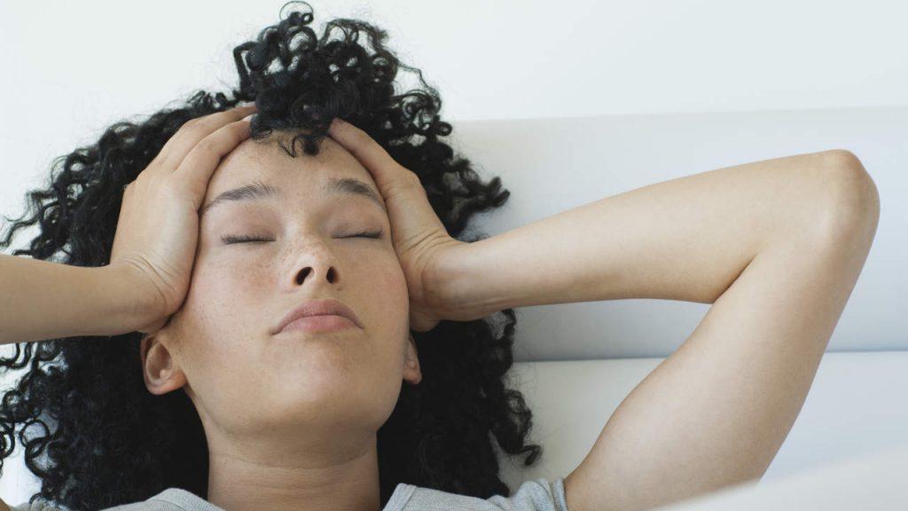 寝すぎ 頭痛